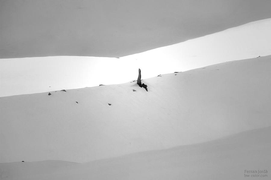 winter monolith / monòlit a l'hivern